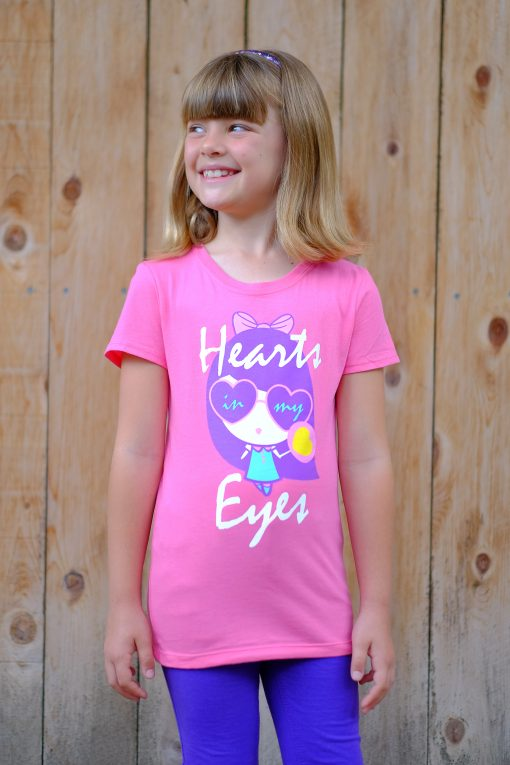 Girl wearing Hearts In My Eyes Lolligag shirt