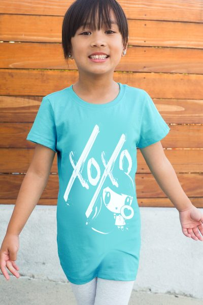 Girl wearing X O X O Lolligag shirt